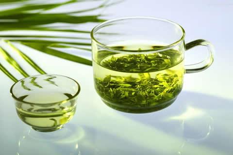 Как зеленый чай помогает сбросить лишний вес?