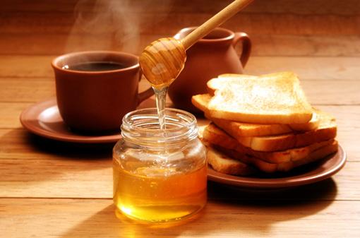 Мед – лучший заменитель сахара, который не навредит фигуре